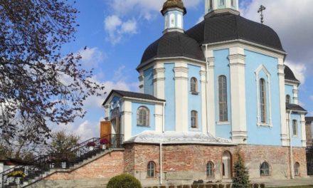 Єпископ Корсунь-Шевченківський Антоній звершив Літургію в Покровському храмі в своєму титульному місті