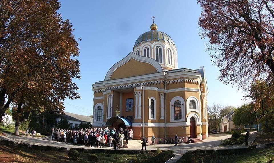 Архієпископ Золотоніський Іоанн звершив Літургію в Покровському соборі в м.Сміла