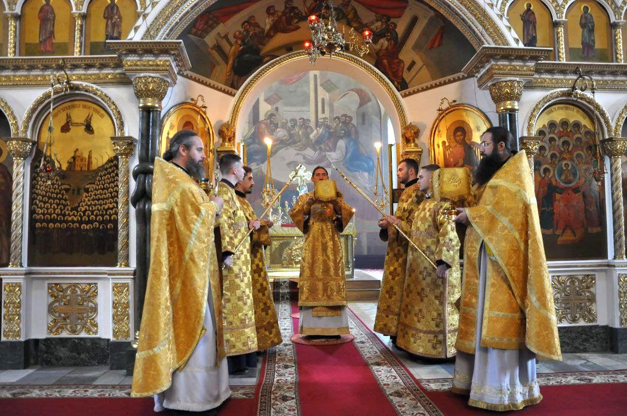 Литургия в Неделю 18-ю по Пятидесятнице в Архангело-Михайловском кафедральном соборе г.Черкассы